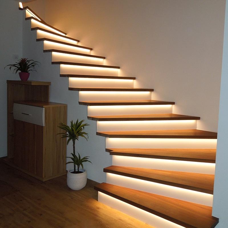 Referenzbild: Treppenstufen mit LED